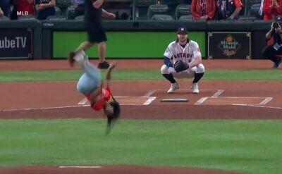 Gimnastyczka skradła show przed rozpoczęciem meczu MLB World Series