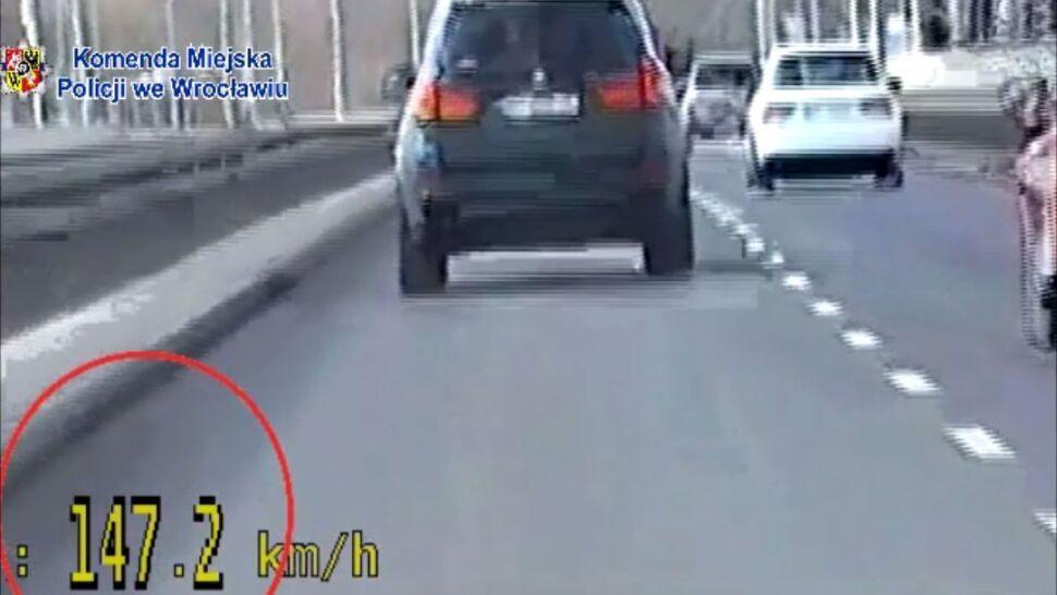 """Prawie 150 km/h w mieście, bo """"spieszył się na spotkanie"""""""