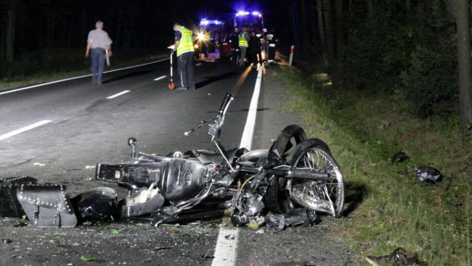 Motocyklista wyprzedzał samochody i zderzył się czołowo z motocyklistką. Oboje nie żyją
