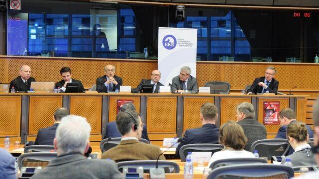 PiS w Parlamencie Europejskim o wyborach. PO i PSL: szkodliwe działanie