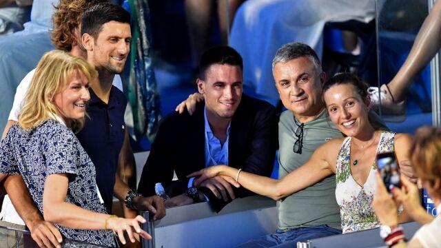 Rodzice Djokovicia bronią syna. O rozprzestrzenienie koronawirusa obwiniają innego tenisistę
