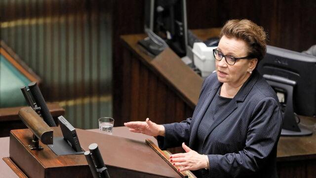 Minister Zalewska w czasie debaty nad wotum nieufności