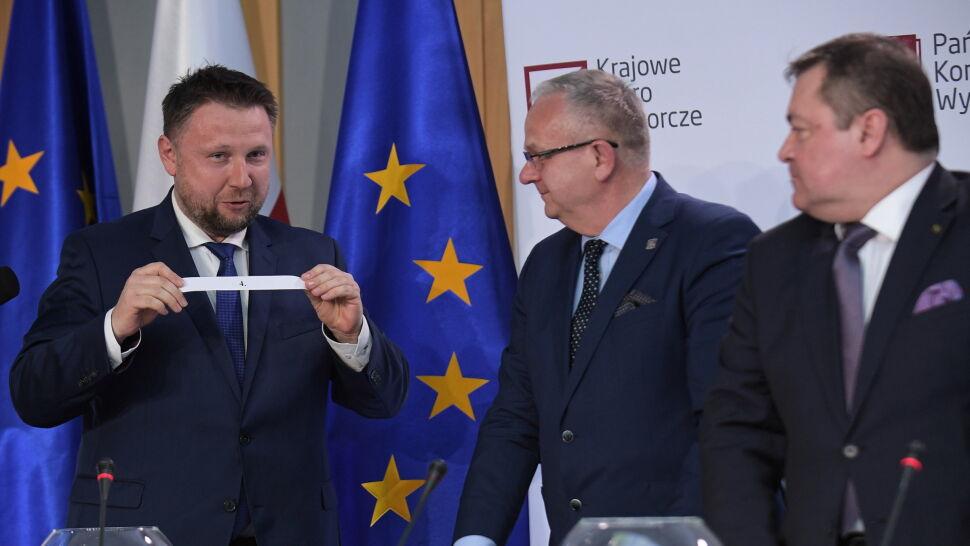 """Polityk Platformy w roli """"sierotki"""". Wylosował numer listy Prawa i Sprawiedliwości"""