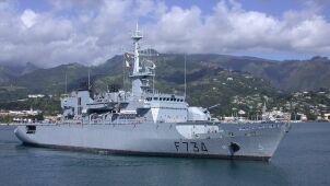 Francuska fregata w Cieśninie Tajwańskiej  i wycofane zaproszenie na paradę