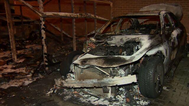 Trzy samochody spłonęły, trzy się nadpaliły. Kosztowny początek roku