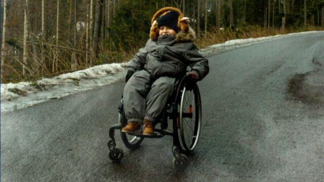Pięcioletni Arek wjechał nad Morskie Oko na wózku, teraz wspiera WOŚP