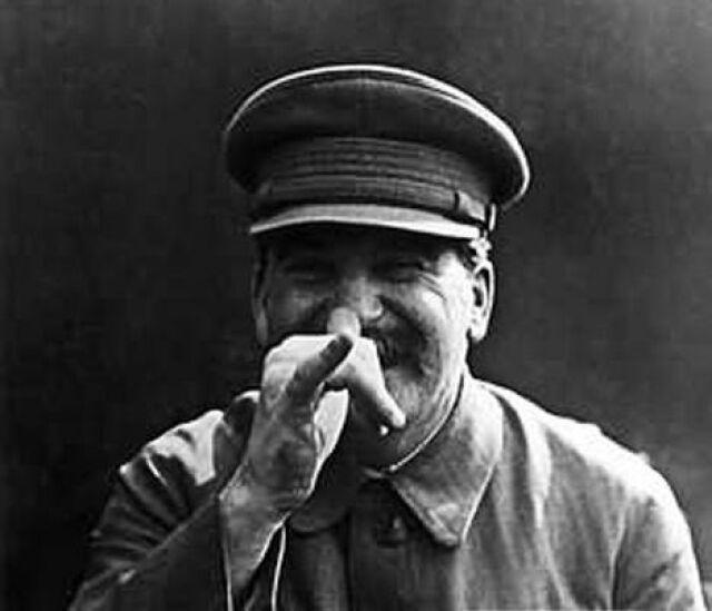 Wnuk Stalina chce wznowienia śledztwa ws. Katynia