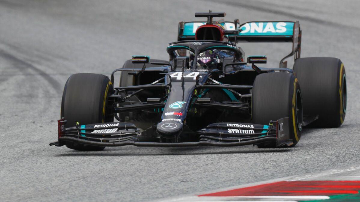 Ferrari wyeliminowało się samo. Hamilton poza zasięgiem rywali