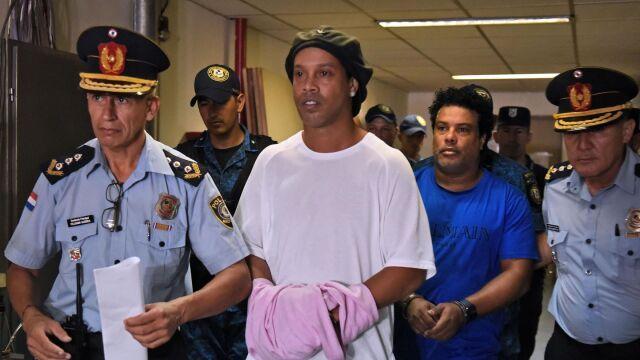 Sąd nie zgadza się na zwolnienie Ronaldinho