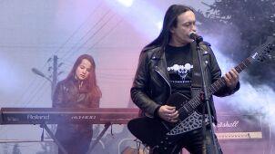 Chłopcy z podstawówki w hard rockowych hitach z Titusem. Boys in Black dali czadu w Poznaniu