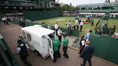 Przerwano mecz na Wimbledonie. Na korcie pojawiła się karetka