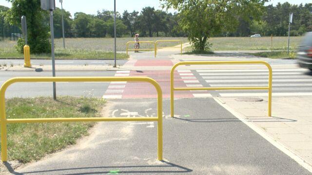 """Barierki na ścieżce rowerowej. """"Najprostsze rozwiązanie na poprawę bezpieczeństwa"""""""