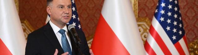 """Duda zadowolony ze słów Trumpa. """"Polacy będą mogli z godnością polecieć do USA"""""""