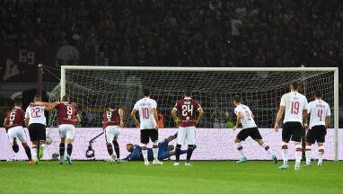 Milan z nieba do piekła w cztery minuty, Piątek znowu trafił z karnego