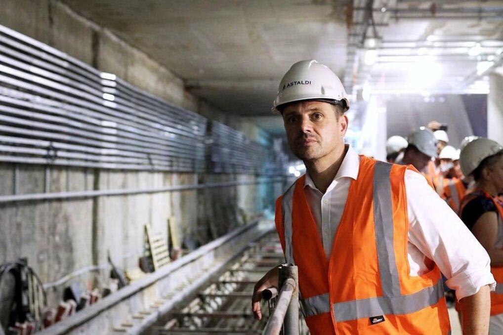 Rafał Trzaskowski zwiedza budowę II linii metra na Targówku, lipiec 2018 r.