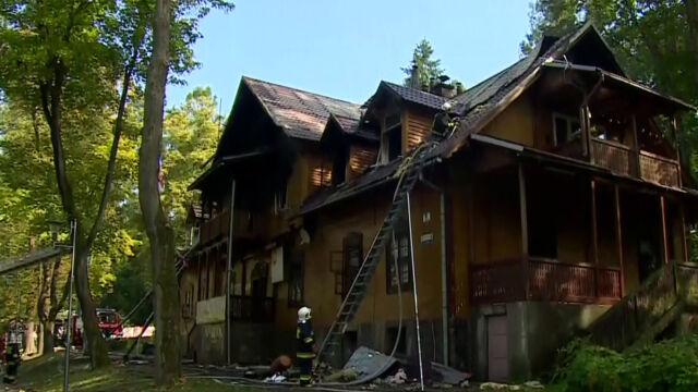 Pożar drewnianego domu w Rabce. Trzy osoby zostały ranne