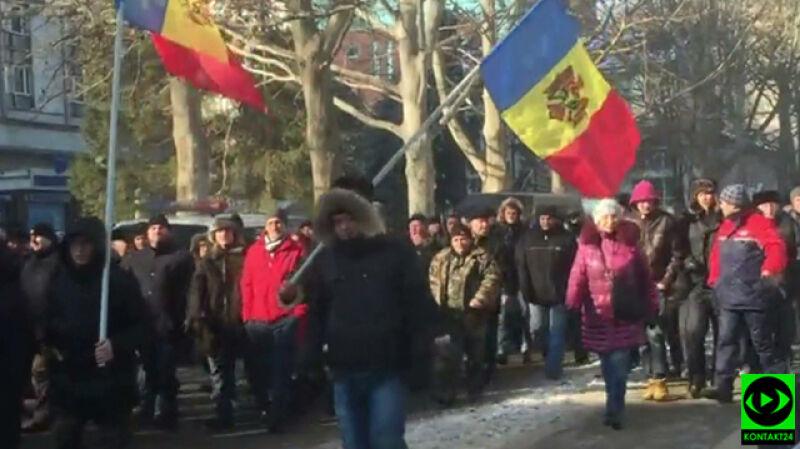 """""""Widać i czuć napięcie"""". Protesty w Mołdawii oczami Reportera 24"""