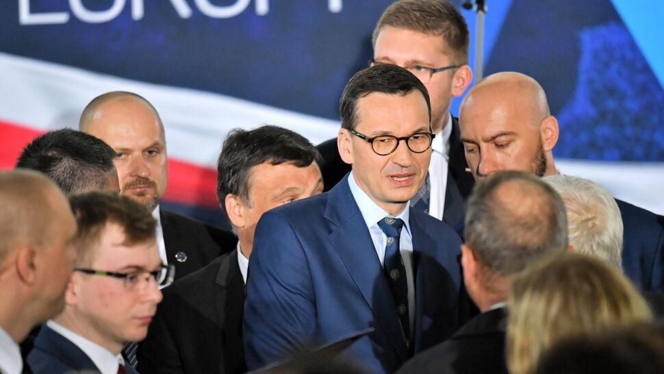 Morawiecki: w drugiej połowie meczu pokażemy kolejne wielkie zmiany