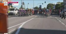 Wypadek w środku peletonu na trasie wyścigu Mediolan-Turyn