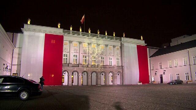 Pałac Prezydencki w narodowych barwach