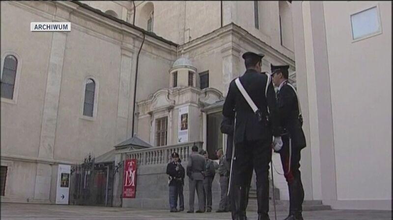Całun Turyński przechowywany jest w katedrze św. Jana Chrzciciela w Turynie. Raz na jakiś czas mogą go obejrzeć wierni
