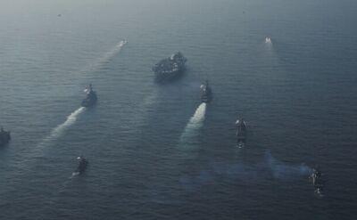 Lotniskowiec USS Carl Vinson wraz z eskortą