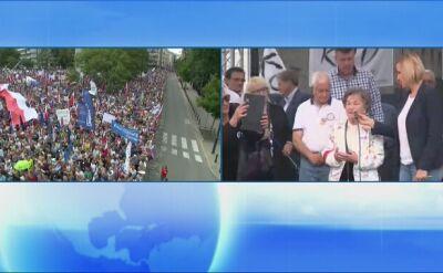 Uczestniczka Powstania Warszawskiego na demonstracji pod Sejmem