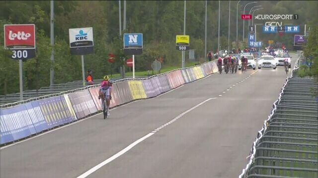 Jaki ojciec, taki syn! Mathiueu van der Poel wygrał wyścig dookoła Flandrii