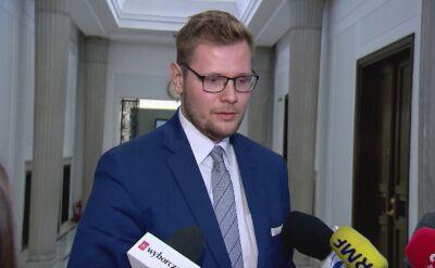 Michał Woś: premier intensywnie pracuje, ma dużo dokumentów na biurku do zapoznania się