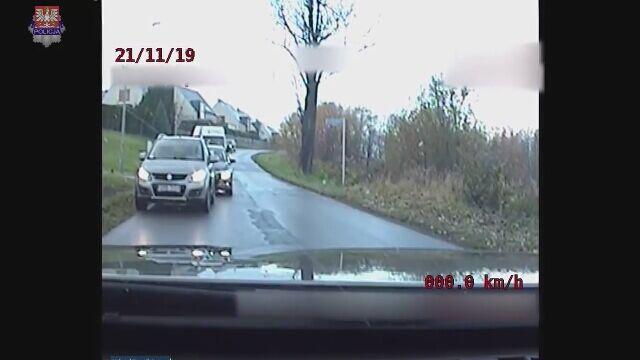 """Rejestrator uchwycił  fragment """"negocjacji"""" zatrzymanego z policją"""