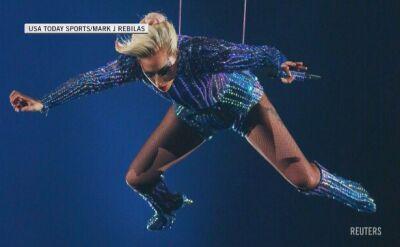 Lady Gaga podczas występu na Super Bowl 2017