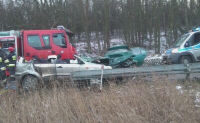 Potrzebują pomocy po wypadku (wideo archiwalne)