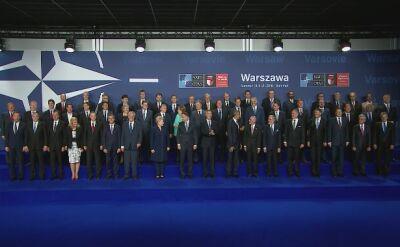 Wspólne zdjęcie na rozpoczęcie szczytu