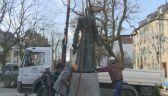 Statua Jankowskiego zdjęta z cokołu