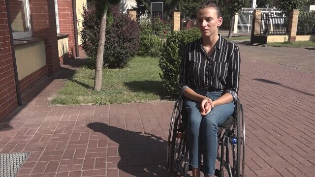 Anna od czterech lat jeździ na wózku