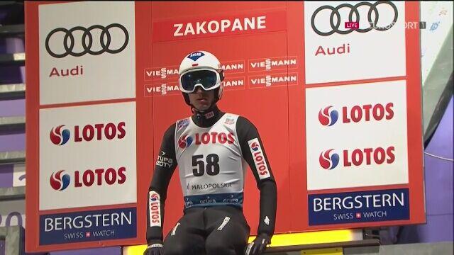Skok Kamila Stocha w kwalifikacjach w Zakopanem