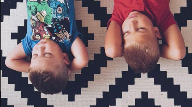 Flow Mummy pokazuje, że wychowanie dzieci to nic prostego, że to trud, ale też ogromna zabawa i miłość