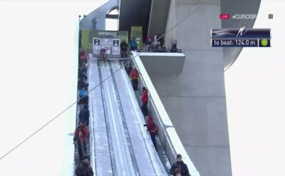 Skok Kamila Stocha w kwalifikacjach w Innsbrucku