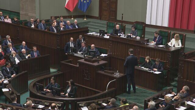 Michał Szczerba miał problemy z czytnikiem przy głosowaniu nad kandydaturąKrystyny Pawłowicz do TK