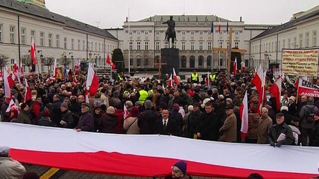 Przed Pałacem odczytano nazwiska wszystkich ofiar katastrofy
