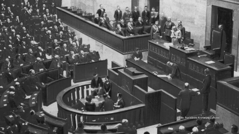 Sto lat od nadania praw wyborczych kobietom