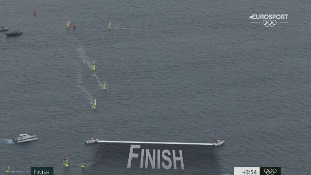 Tokio. Windsurfing: finisz Piotra Myszki w 6. biegu klasy RS:X
