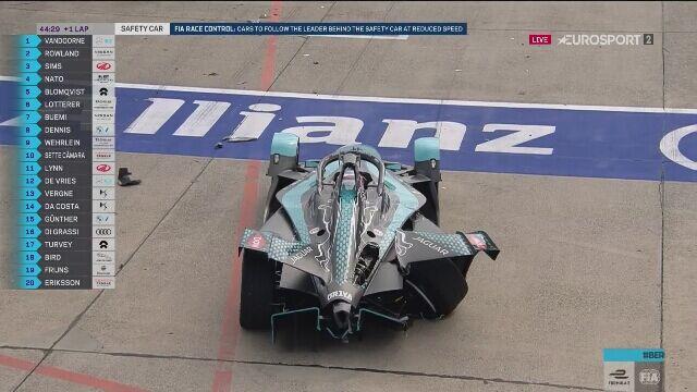 Evans i Mortara w dramatycznym wypadku na starcie ostatniej rundy sezonu mistrzostw świata Formuły E