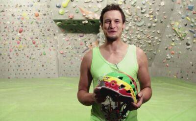Adam Bielecki wystawił kask, który uratował mu życie na K2