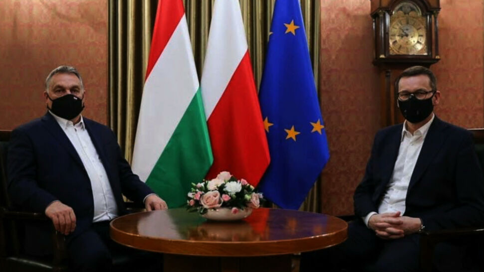 """""""Różne warianty"""" w sprawie unijnego budżetu. Kulisy spotkania Morawieckiego i Orbana"""