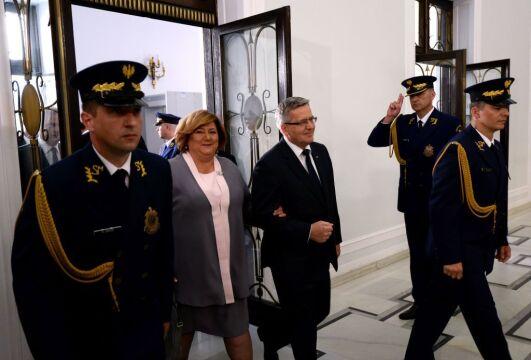 06.08.2015 | Bronisław i Anna Komorowscy przed zaprzysiężeniem Andrzeja Dudy