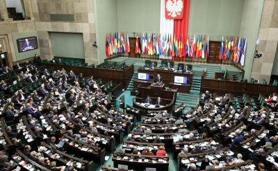 """""""Polska i Świat"""". Dwie partie na czele w sondażu"""