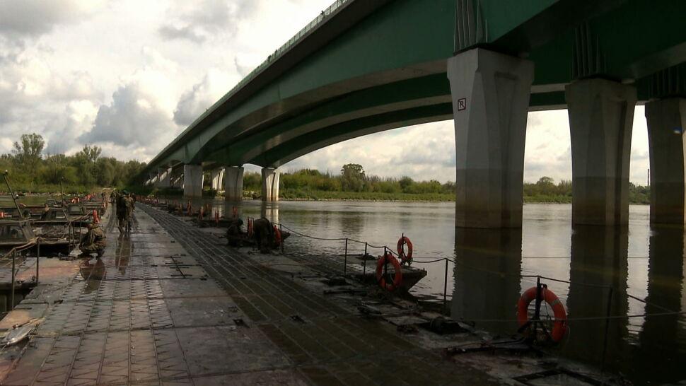 Trzaskowski podał przyczynę awarii kolektorów ścieków. Most pontonowy już gotowy