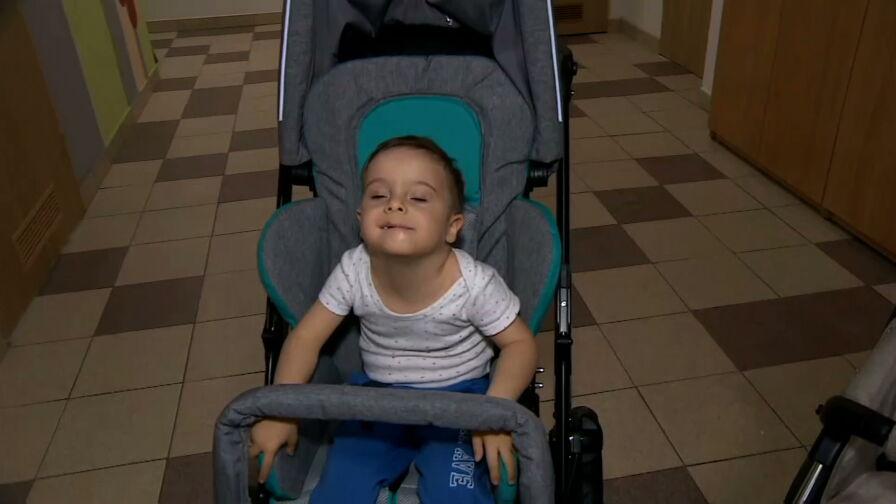 Wielkie serca w ważnej sprawie. Dawid z Opola ma nowy wózek