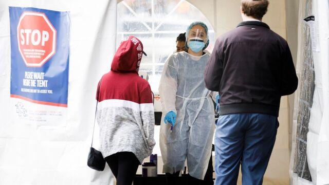 20.03.2020 | Rodzina zakaziła się SARS-CoV-2 podczas obiadu. Cztery osoby nie żyją
